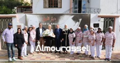 بسام لوكيل يكرم رفيقة بن يوسف مديرة جمعية ديار الامل للاطفال الفاقدين للسند بمناسبة خروجها للتقاعد